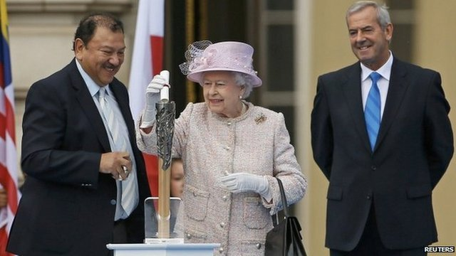 The Queen launches the baton relay