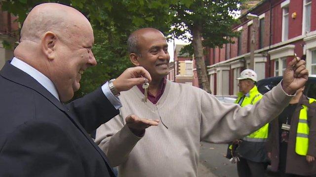 Jayalal Madde with the mayor of Liverpool