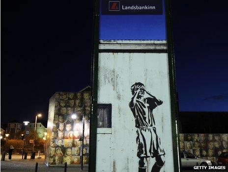 Graffiti on Landskankinn sign 2008