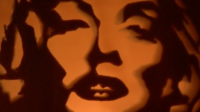 Marilyn Monroe's face carved into a pumpkin