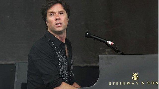 Rufus Wainwright playing at Glastonbury 2013