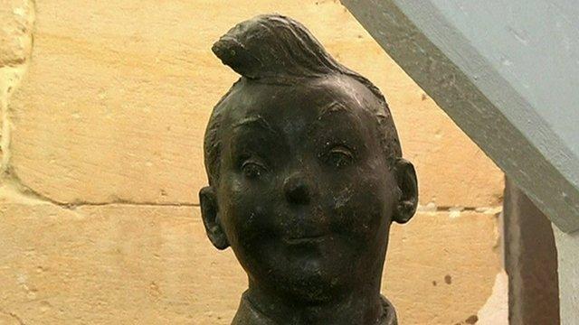 Brass statue of Tintin