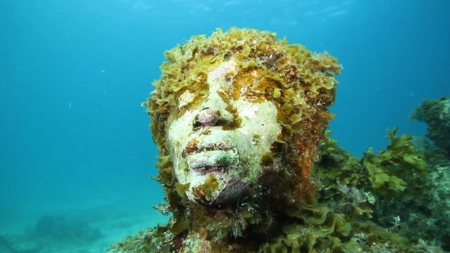 Underwater scuplture
