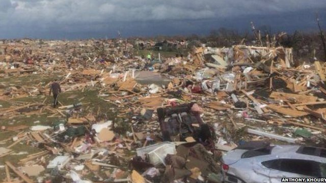 Tornado damage in Peoria, Illinois