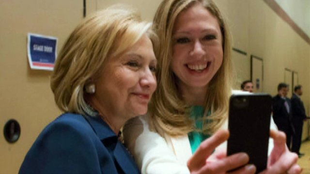 """Hillary and Chelsea Clinton taking a """"selfie"""""""