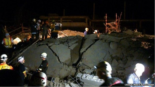 Site of the collapse in Tongaat at night- tweeted by @CrisisMedDbn