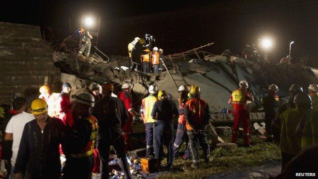 Scene of SA mall collapse