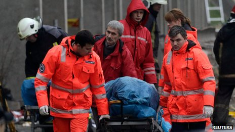 Body removed from scene of collapsed supermarket in Riga on 23 November 2013