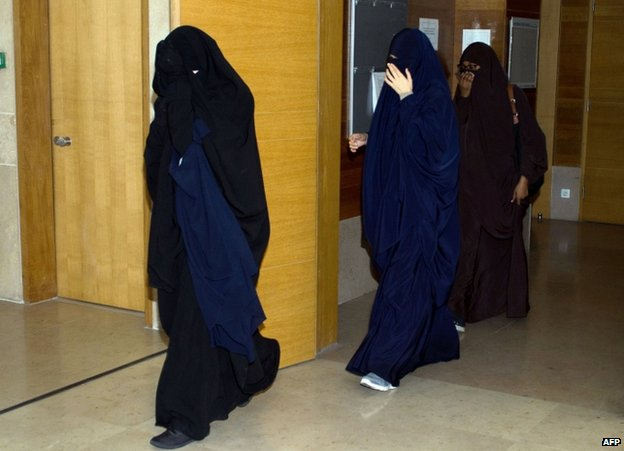Veiled women at a court in Aix-en-Provence, southern France, 25 October