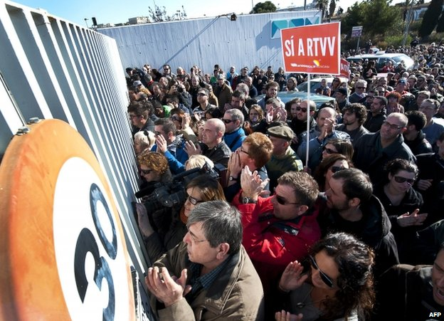 Staff and supporters outside RTVV in Valencia, Spain, 29 November