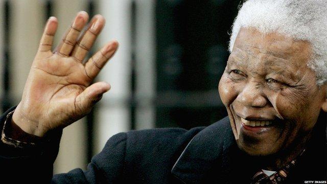 Nelson Mandela a' tadhal san Rìoghachd Aonaiche ann an 2004