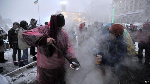 Protesters having dinner in central Kiev