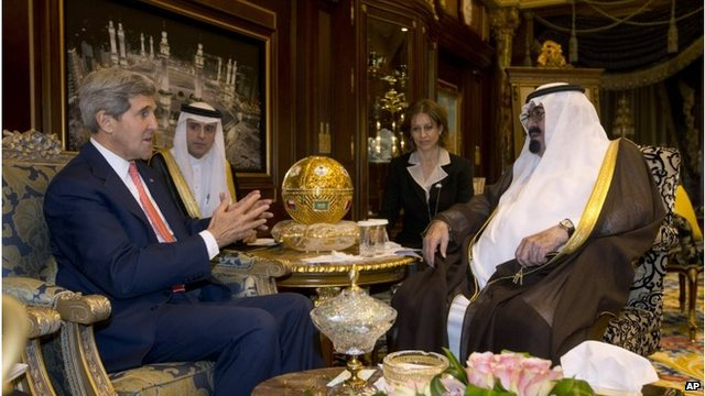 John Kerry (left) with Saudi King Abdullah (right) (04/11/13)