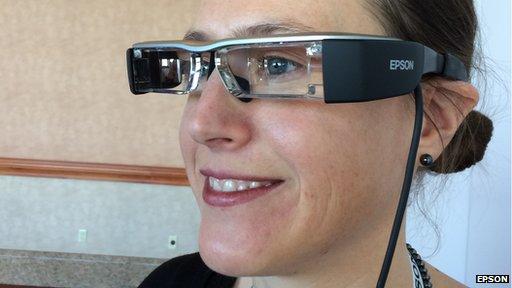 Epson Moverio 2 glasses