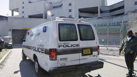 Police van believed to be carrying Justin Bieber