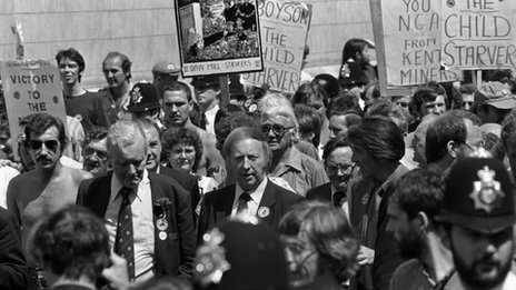 Arthur Scargill and Tony Benn march with striking miners