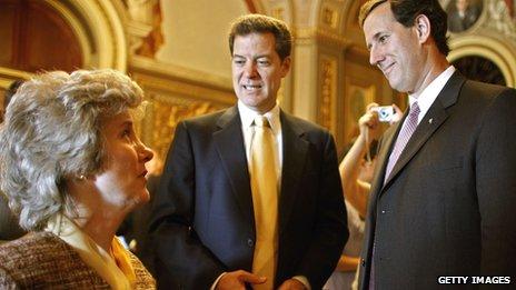 Joni Eareckson Tada withUs senators Sam Brownback and Rick Santorum in 2006