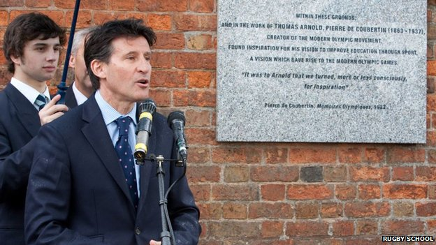 Sebastian Coe unveils a plaque at Rugby School commemorating its contribution to the Olympics