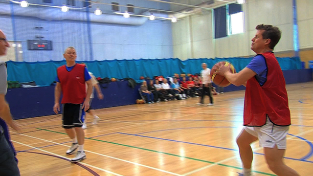 BBC Breakfast's Mike Bushell tries walking basketball
