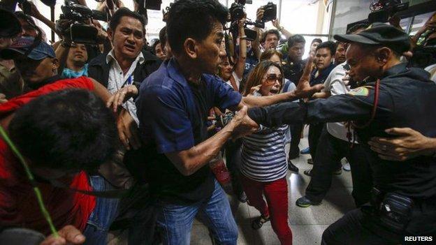 Voters at Bangkok polling station, 2 February 2014