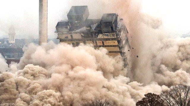 Frankfurt tower demolition