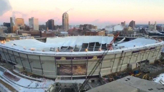 Deflated roof of Metrodome