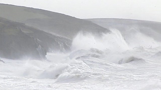 Waves in Porthleven