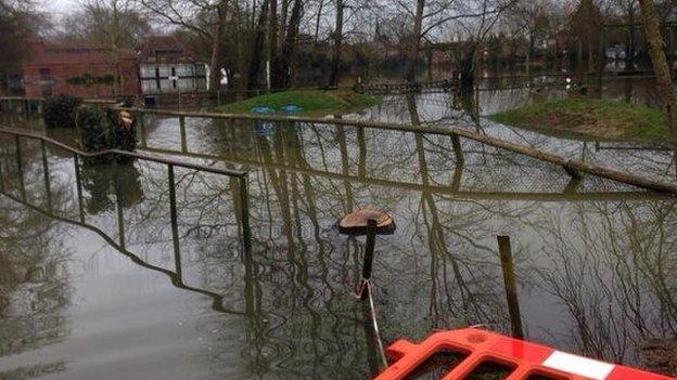 Wraysbury flooding