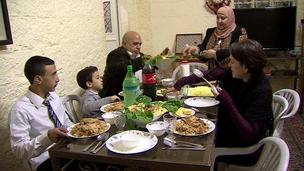 Ruth Ebenstein eats with Ibtisam Erekat's family