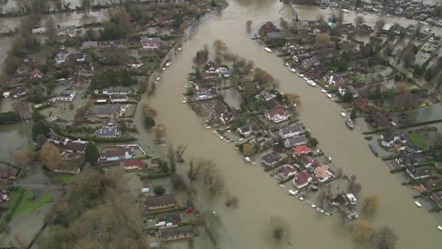 Thames flooding near Staines
