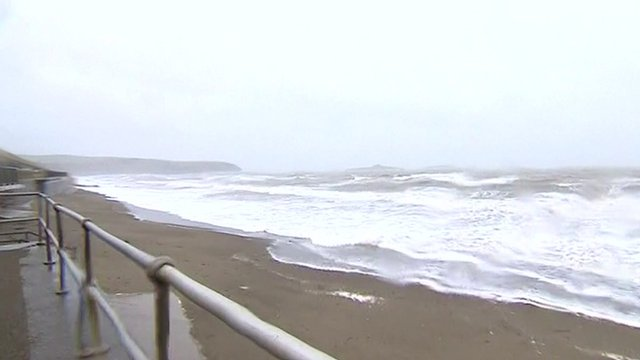 Waves at Criccieth