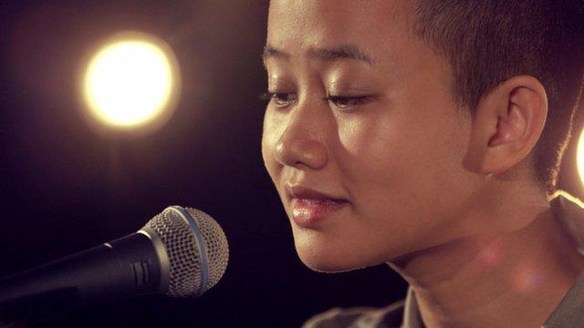 Burmese rapper Thxa Soe mixes tradition and new beats - BBC News