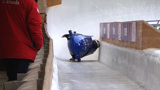 Brazil women crash in the bobsleigh