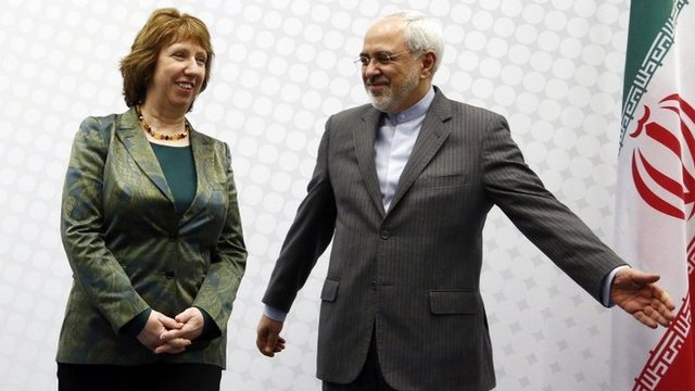 European Union foreign policy chief Catherine Ashton (L) and Iranian Foreign Minister Mohammad Javad Zarif