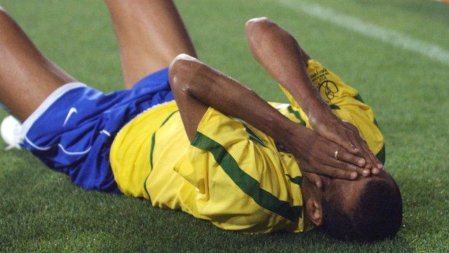 Brazil's Rivaldo feigns injury against Turkey