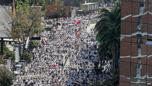 General view of a march following Leopoldo Lopez in Caracas on 18 February, 2014