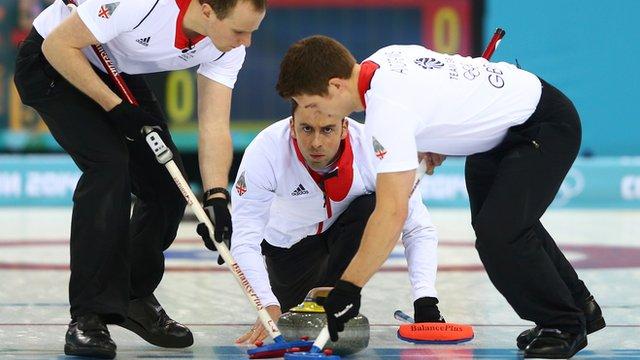 GB men into curling final