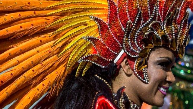 Carnival headdress