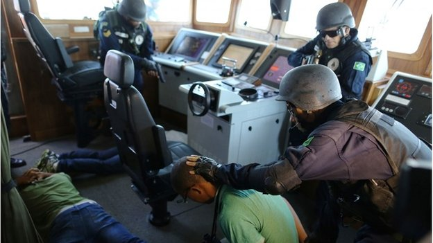 Brazil marines ship raid exercise in Rio
