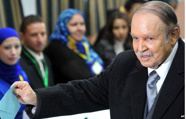 Algerian President Abdelaziz Bouteflika casts his ballot for local elections in Algiers on 29 November 2012