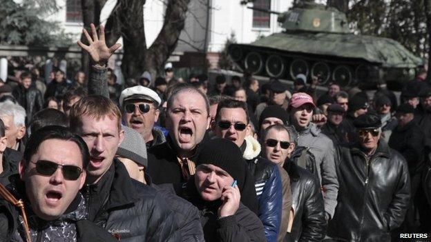 Pro-Russian protests in Simferopol, Ukraine (23 Feb 2014)
