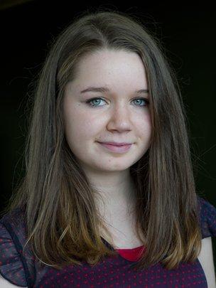 Sarah NicDhòmhnaill