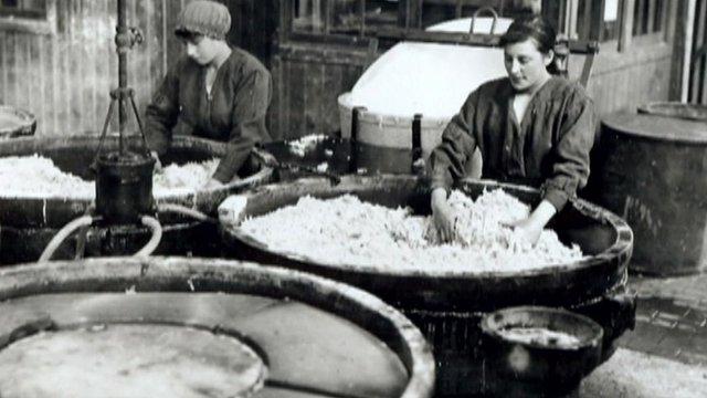 Women making porridge