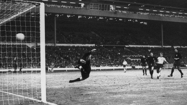 Bobby Charlton scores for England against Mexico