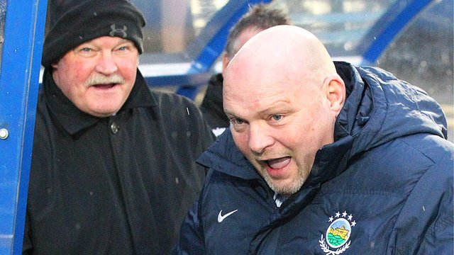 Portadown boss Ronnie McFall and Linfield manager David Jeffrey