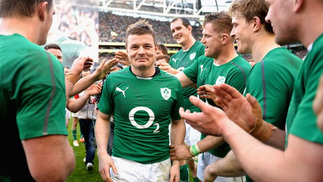 Brian O'Driscoll is applauded off the field by team mates after his last home appearance in the Six Nations