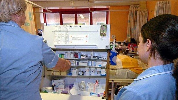 Nurses on hospital ward