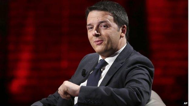"""Matteo Renzi smiles during the Italian State RAI TV program """"Che Tempo che Fa"""", in Milan on 9 March"""