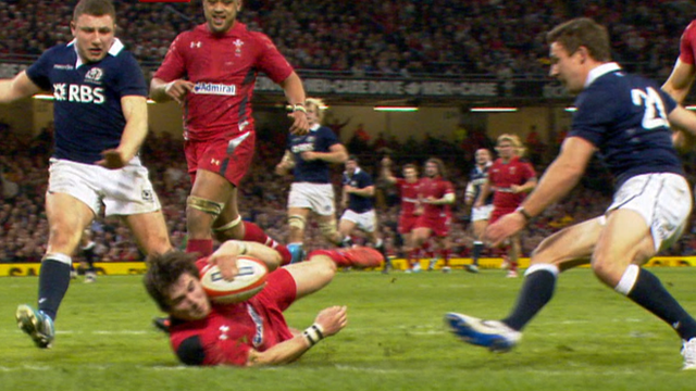 Williams try completes Wales rout