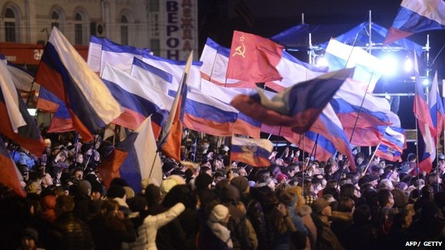 Crowds in Simferopol